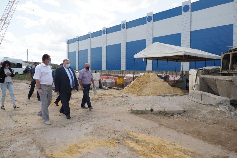 Глава Мордовии Владимир Волков осмотрел строительство спортивного комплекса в Краснослободском районе