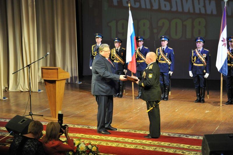 Глава Мордовии Владимир Волков поздравил работников военкоматов Мордовии