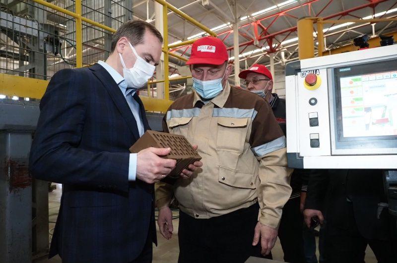 Артём Здунов посетил предприятия группы компаний «Хорошее дело» и «Магма»